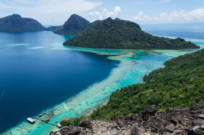 Bohey Dulang, Semporna . Travelling Sunny Day Sabah Borneo Sabah Travellingsabah Bohey Dulang Semporna Malaysia Water Sea Beauty In Nature Scenics - Nature Tranquil Scene Tranquility Sky No People Tree Rock - Object Day Idyllic Land Beach Nature Non-urban Scene Rock Mountain Solid Cloud - Sky