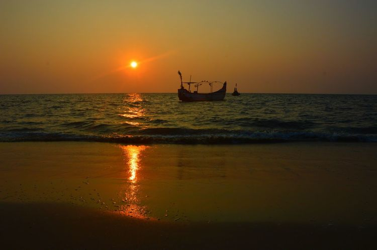 Beach Beauty In Nature Horizon Over Water Nature Orange Color Reflection Scenics Sea Sky Sun Sunlight Sunset Tranquility Water Waterfront
