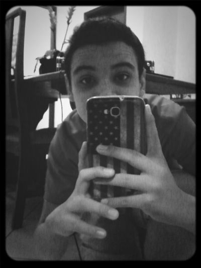 Eae Vei :3 Hanging Out