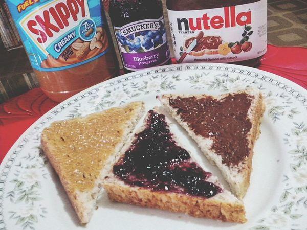 Breakfast. Foodporn Skippy Nutella Wholewheat
