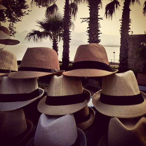 👯💓✌Everybodyloves 🎩👒 Hats Sapka şapkasızçıkmamabi Eyesofmoon Antalya Kaleiçi Traveldiaries Instamemories