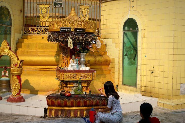 girls at Pagoda