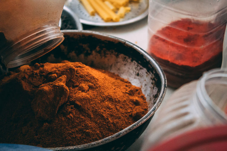 Chilli Powder Bowl Chilli Chilli Pepper Close-up Condiment Container Food Food And Drink Freshness Ground - Culinary Healthy Eating Kitchen Utensil Spice Spices Still Life Table Variation Wellbeing Plastic Environment - LIMEX IMAGINE The Still Life Photographer - 2018 EyeEm Awards