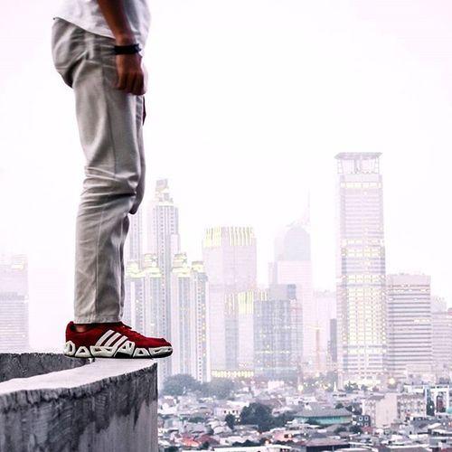 ●●●●● Dimana bumi dipijak diatas situ langit tinggi ampe ujung... _______________________ Upload bareng @cameraindonesia_jakarta Tema : JAKARTA VISUAL Lokasi : Kuningan,Jakarta UpbarCI_Jakarta20 CI_Member Cameraindonesia CI_Jakarta