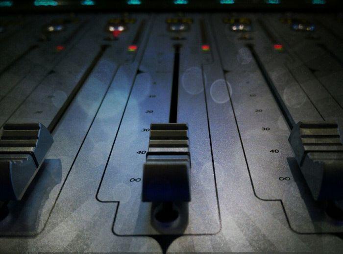 Studio Geometry Faders Ramses Pyramix Sound Station