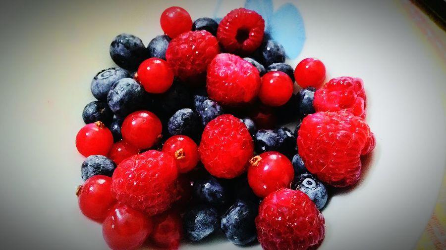 Fresh Fruits Fruitporn Eat More Fruit Raspberries Blue Raspberries Enjoying Life Breakfast