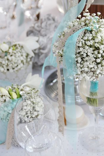 Wedding Flower Indoors  Celebration Close-up Drinking Glass No People Table Bouquet Day Wedding Reception Flower Arrangement Hochzeitsfotos Glass - Material Photography Themes Floristic Decoration Photograpy Weiss Floristlife Myworkmyart Flowers, Nature And Beauty Beauty In Nature Hochzeitsfotografie Indoors  Wedding Nature EyeEmNewHere