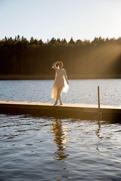 Reflection. Women Lady Whitedress Lake Sunlight Autumn Fall Sweden Nikon Nikonphotography Nikond600 Tamron Tamron2470