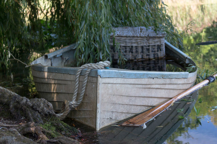 perfect picnic English Countryside Oar Picnic Tranquility Basket Boat Boat And Lake Boat Oars Lake Boat Nature