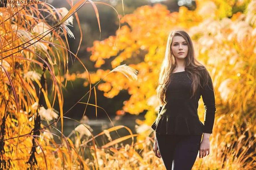 A Beautiful Frame Portrait Of A Woman Photoshoot Model Nature EyeEm Nature Lover Color Portrait Pretty Girl Photoshoot Time Photoshoot People Photography