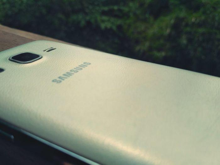 Future Technology Samsung Samsung Galaxy J2 Close-up