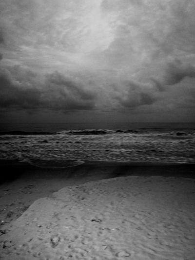 Taking Photos Enjoying Life Black & White Black And White Holiday Thai Thailand Huaweiphotography Sea And Sky