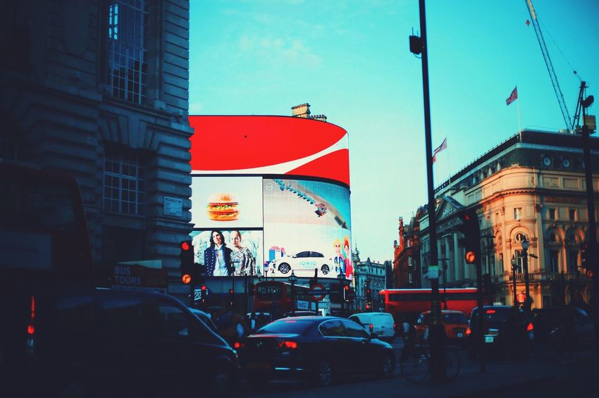 London Lifestyle Place Of Heart Adventures In The City