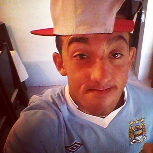 Segurando o riso , rs :v Boanoite Lilsmile Swag Snapback manchestercity citizens swagteam instacool likeaselfies oldpic