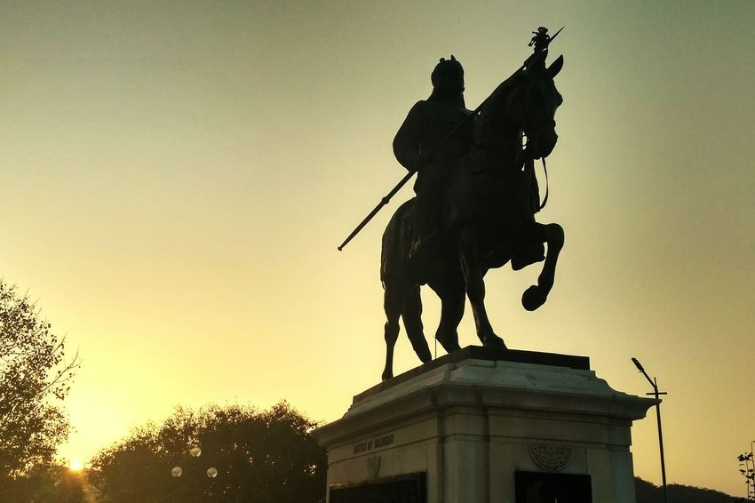 Warrior at rest Statue Architecture Horseback Riding Travel History Sunset Traveling Eyeemphoto Eyeem Galery The Week On EyeEem Architecture Architecture And Art Maharana Pratap With Chetak MAHARANA PRATAP Indian Stories Warrior King Mobile Photography Taking Photos EyeEm Gallery