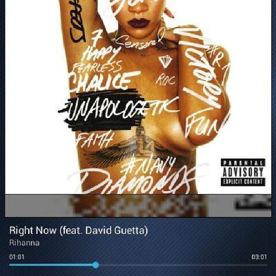 @rihanna @DavidGuetta Rightnow Unapologetic  VMA  Diamonds shine