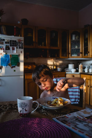 Authentic Moments EyeEm Best Shots Natural Light Portrait The Portraitist - 2018 EyeEm Awards The Week on EyeEm Child Childhood Eye4photography  Food And Drink Golden Hour Kitchen Lifestyles The Portraitist - 2018 EyeEm Awards