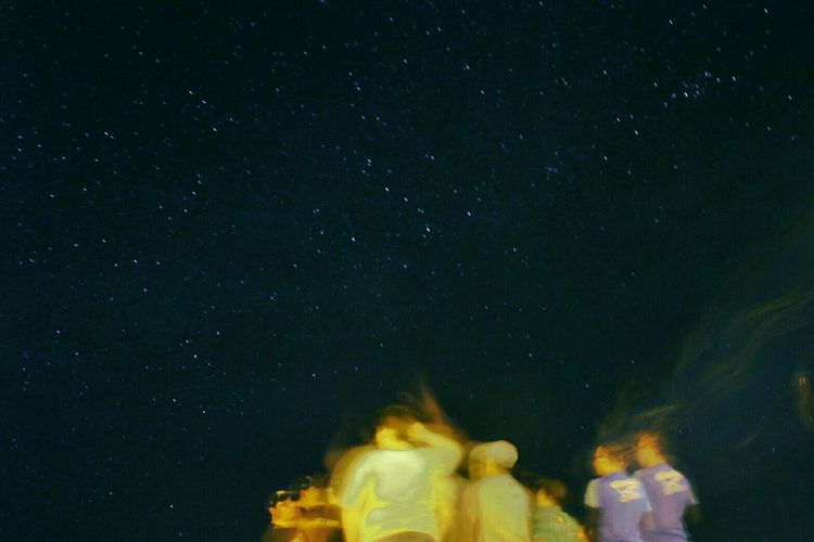 How You Celebrate Holidays Nightlife Nightphotography Night View Stars Hanging Out