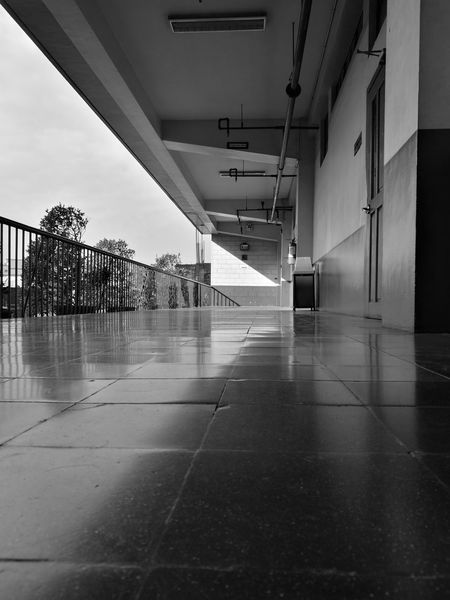 Day No People Indoors  Blackandwhite Photography Blackandwhite Oo HuaweiP9 HuaweiP9Photography AStepAhead YearOfDualCam Low Angle View Welcome To Black The Secret Spaces