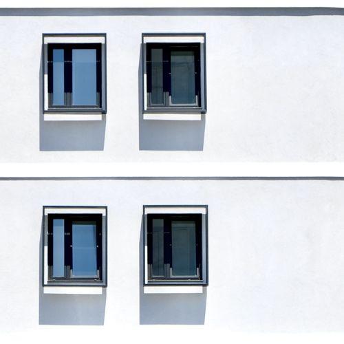 4 windows