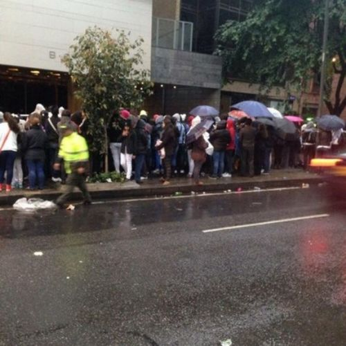 Walked  around the City Recently and You Know who I Met ??????...... Directioners !!!!!!!!!....... They Were Poor  in the Rain .....