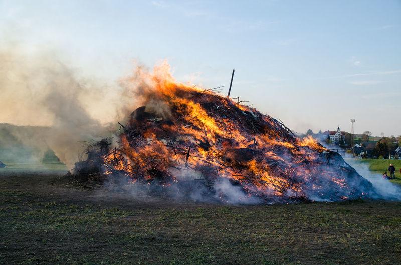 Destruction Heat - Temperature Outdoors Hot Light Hexenfeuer Power In Nature Fire