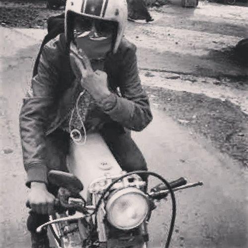 Riding Mowning Ayee