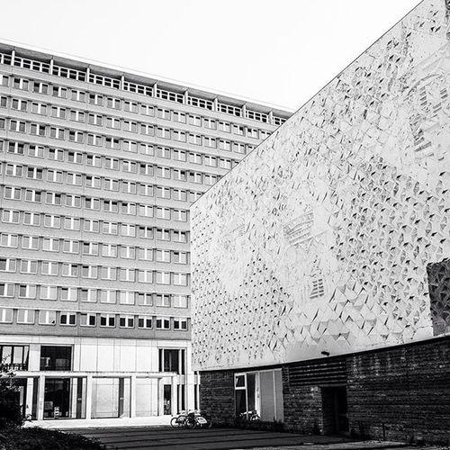 """Postcardfromeastberlin Ostberlin Fujifilm Fuji_xseries berlinlove fotostrasse diewocheaufinstagram socialistmodernist radikalmodern """"Interhotel Stadt Berlin"""" & """"Kino International"""" ca 1965-67"""
