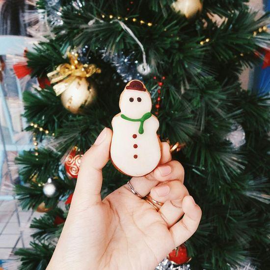 Christmas Eve.🎅🎄 Snowman Christmas Tree Christmastime Christmas Xmas Art Dessert Foodphotography Photography Foodporn Desserts Food Sweettreat Cafe Holiday Desserts