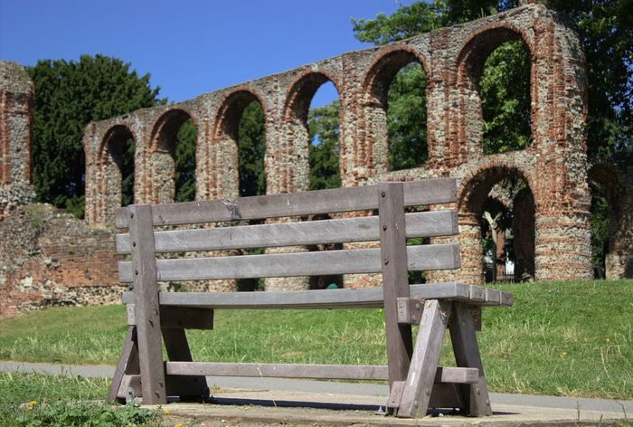 Colchester Architecture Outdoors Day No People Traveller Travel Photography Explore England Uk GreatBritian Explorer Exploring Travel Traveling Architecture Essex Bench View Bench View Arch Nature