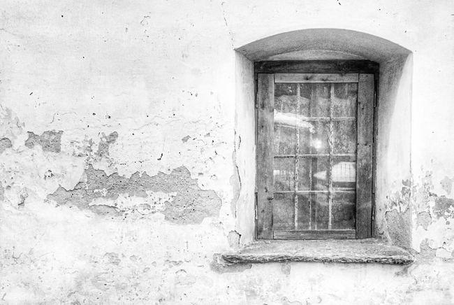 House Window Building Exterior Blackandwhite Abandoned Architecture