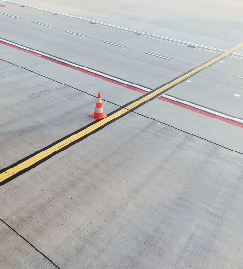 Transportation Road No People Symbol Marking Sign Day Mode Of Transportation High Angle View Outdoors Absence Guidance Dividing Line Concrete Minimalism Minimalobsession Communication 17.62°