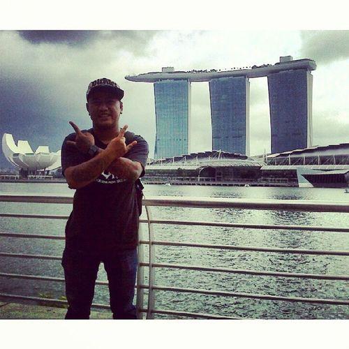 Horns up Singahell - bored back to go city MarinaBays Singaporean Singahell Smarttravel asian instafuck