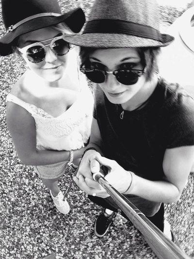 Blackandwhite Bonnie&Clyde Youandme Love Friend Happy 👯✊🏼💕💕🖖🏼