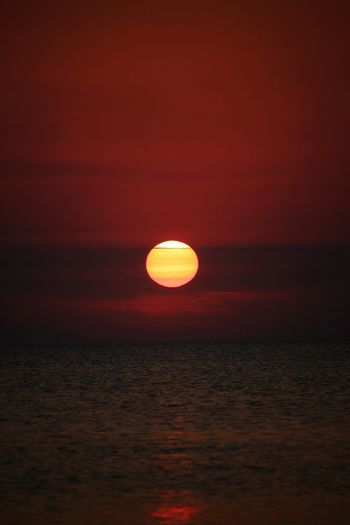 sunset Astrology Sign Water Beauty Sea Sunset Wave Horizon Motion Red Sun Romantic Sky Atmospheric Mood Moody Sky Idyllic Space And Astronomy Seascape Tranquil Scene Calm Atmosphere Horizon Over Water Scenics Coast Shore
