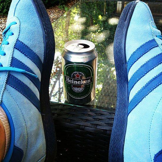 Adidastahiti joining me on a sunny day.. Heineken Adidasislandseries Adidasoriginals 3Stripes Thethreestripes Thebrandwiththethreestripe Trefoilonmyfeet Sunnydays Almostweekend