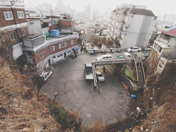 이화동 Seoul, Korea Ricoh GX100 Transportation Building Exterior Mode Of Transport Architecture City Built Structure Land Vehicle Outdoors Road Day Water No People