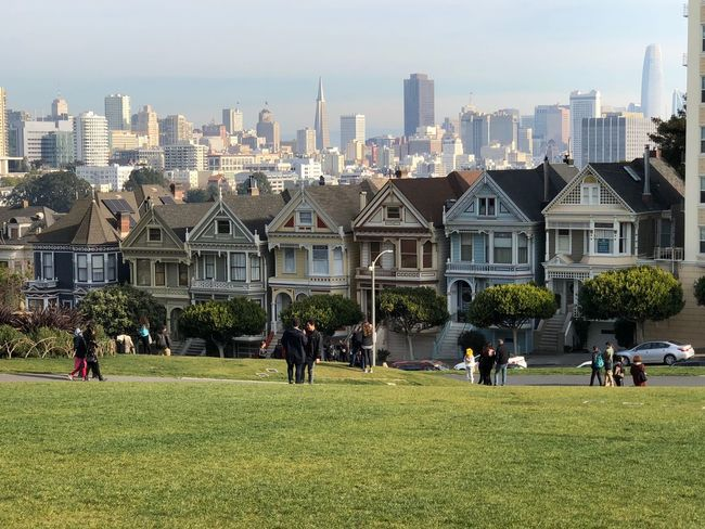 The Painted Ladies Million Dollar Homes Victorian Style Victorian Architecture Painted Ladies San Francisco Painted Ladies Day Urban Skyline Cityscape Sky Travel Destinations Nature People Outdoors Leisure Activity Modern EyeEmNewHere An Eye For Travel EyeEmNewHere