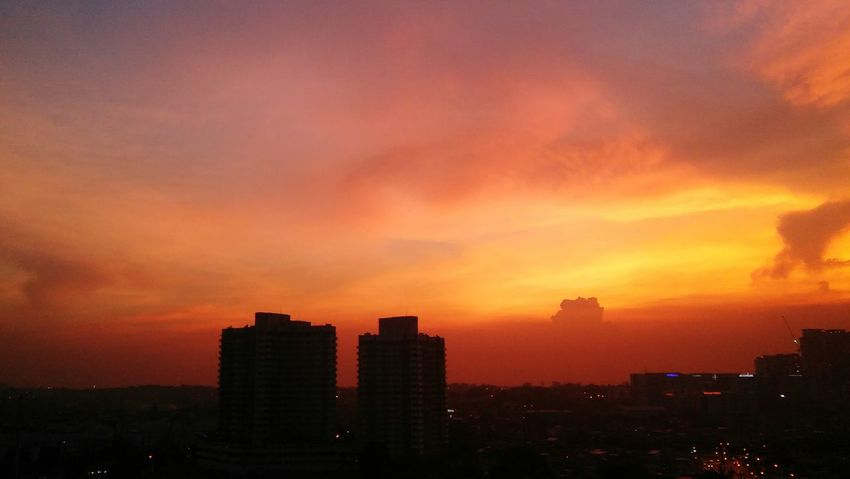 Sunset Dramatic Sky EyeEmNewHere Urban Skyline City Cloud - Sky Illuminated Sky No People Awe