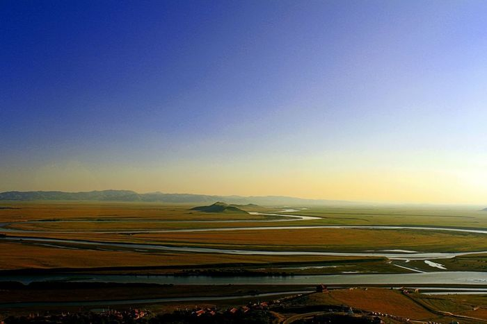 This is Tibet grass land it's my home