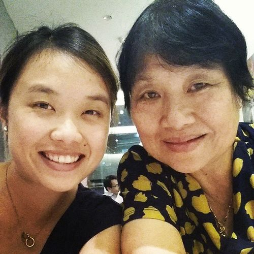 brought mom to vegetarian place. pretty nice peranakan thai styled cuisine. (: Wholeearth
