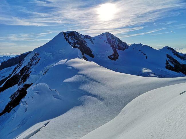 In primo piano i due Lyskamm. Mountain Snow Cold Temperature Winter Snowcapped Mountain Glacier Sky Landscape Mountain Range Rocky Mountains Mountain Peak Mountain Ridge