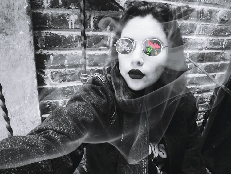 Blanco y negro Adult People Adults Only One Person One Woman Only Only Women One Young Woman Only VSCO Cam VSCO Vintage Beatyful Girls Girl Young Women Day Adult Beauty Glasses Glasses👌 Glassballphotography Glass Reflections Glasses Reflect Blackandwhite Blackandwhitephotography Black And White Collection