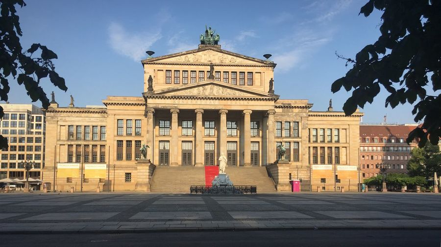 Gendarmenmarkt Konzerthaus Berlin Konzerthaus No People Architecture Built Structure Building Exterior City Sky Tree Bicycle Travel Destinations Outdoors