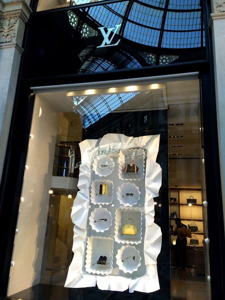 Indoors  Built Structure No People Architecture Day Bonbons Louis Vuitton LV Window Design Visual Merchandising Visual Negozio Shop Boutique Tienda Luxury Luxurylifestyle  Milano