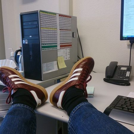 Justanotherdayattheoffice Adidashamburg Adidashamburgmadeingermany Hamburgmig Thebrandwiththethreestripes Showmeyourstripes Adidasonly_ Supercasual_ Casualobsessed Trefoilonmyfeet