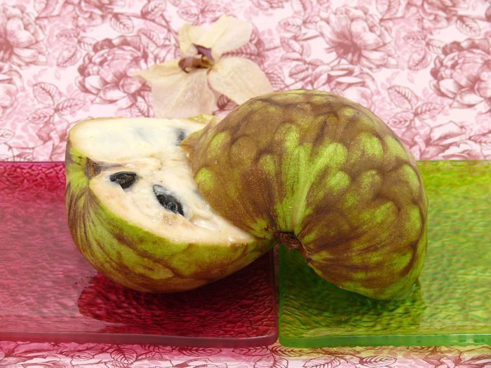 Annona Annona Squamosa Cherimoya Cinnamon Apple Close-up Cramp Apple Cramp Apple Cream Fruit Cupped Apple Day Food Food And Drink Freshness Fruit Healthy Eating Nature No People Tablecloth Tropical Plants