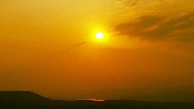 A sunset at pune RedSky Sunset Nature Sun Puneinstagrammers Punekar Punediaries Pune Hill Beautiful Awesome Yavatmal