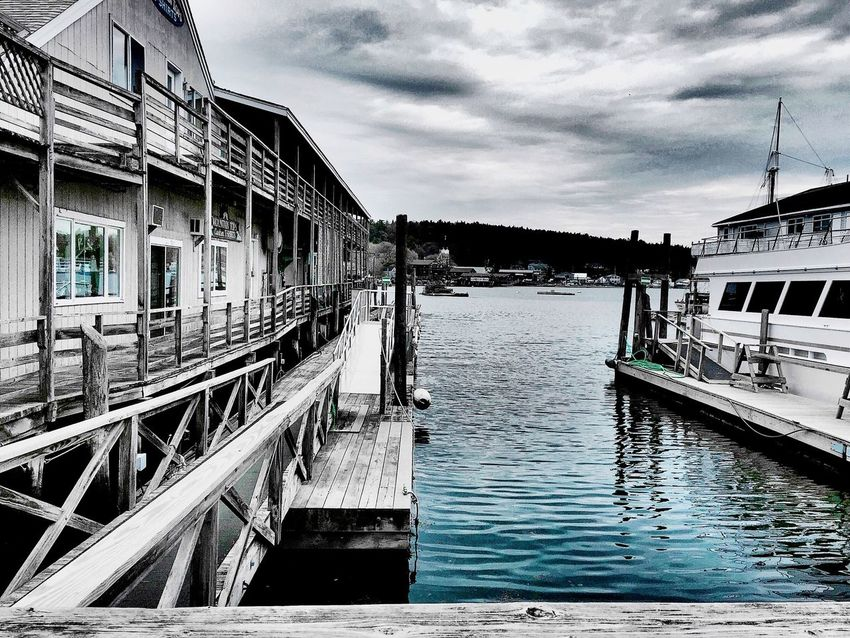 Boothbay Harbor Maine A Touch Of Blue Water Taking Photos Enjoying Life