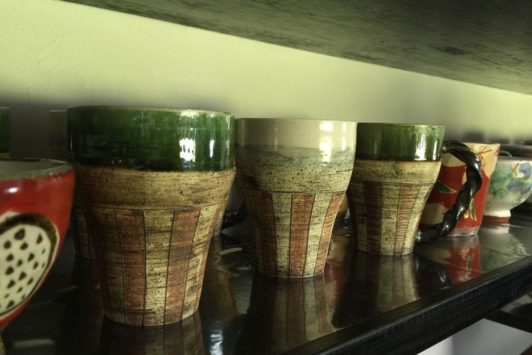 器 陶器 オシャレな 手作り 器が並ぶお店